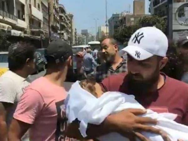 """""""مات ابني بين يدي"""".. صرخة أب ضد مستشفى في لبنان"""