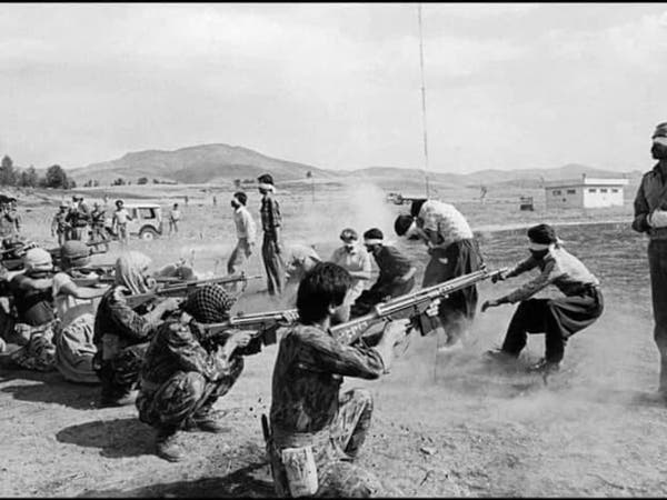 أهوازي أعدمت إيران 40 شخصاً من عائلته يروي المأساة