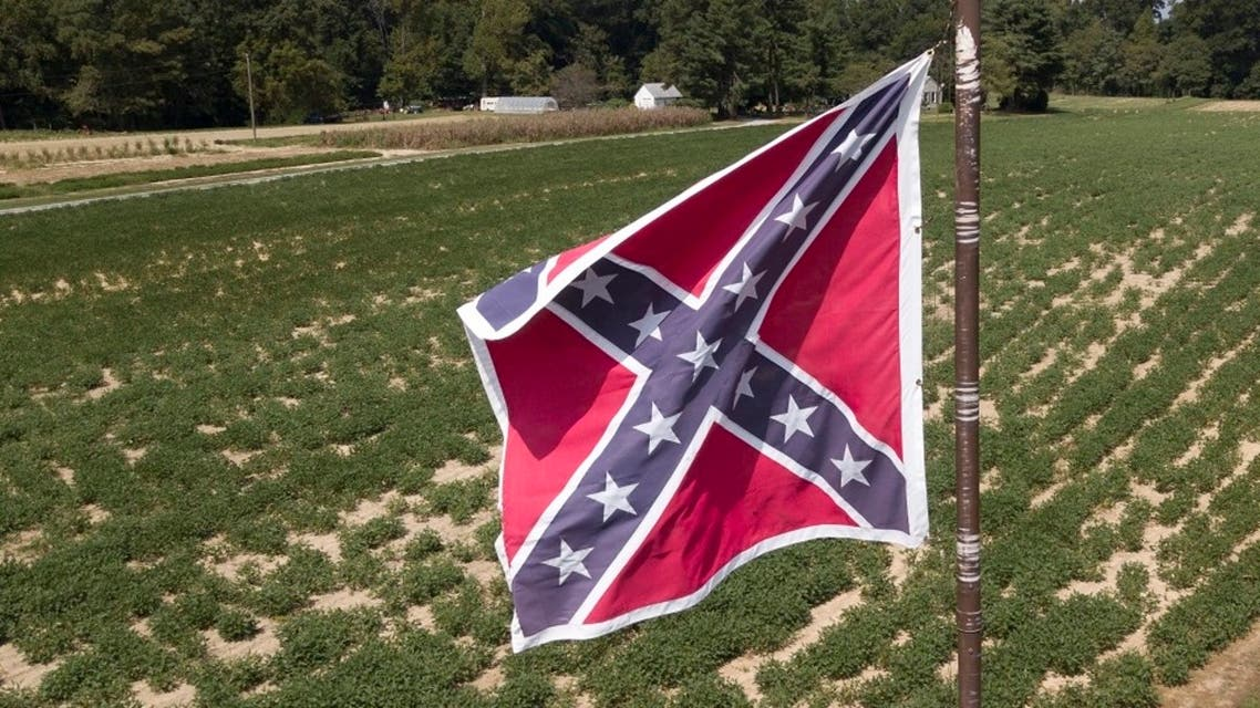 A Confederate battle flag flies over a soybean fields in Virginia, Sept. 7, 2018. (File Photo:AP)