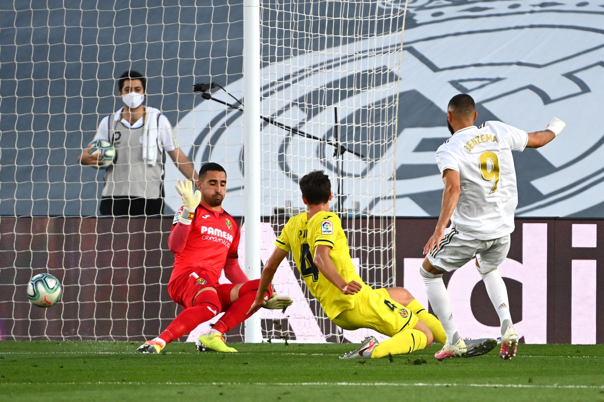 بنزيمة خلال مواجهة ريال مدريد وفياريال