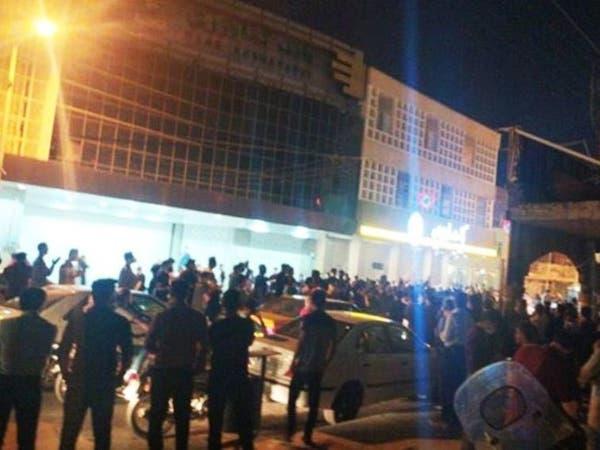 إيران.. اعتقالاتوانتشار أمني وخفض للإنترنت خشية احتجاجات