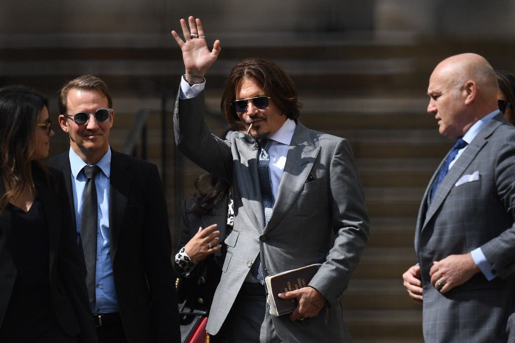 جوني ديب لحظة وصوله المحكمة اليوم