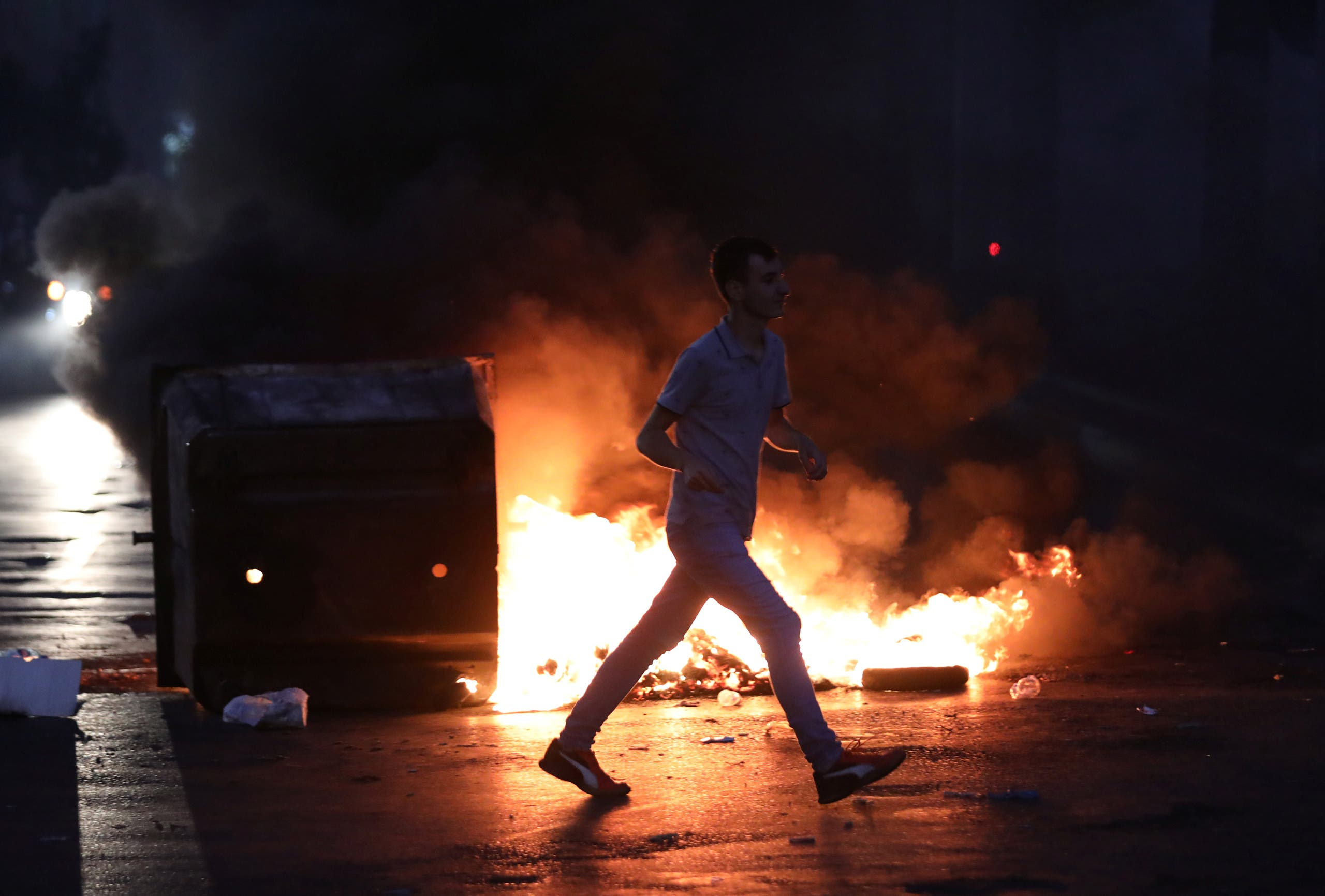 من الاحتجاجات السابقة على غلاء الأسعار ( 30 يونيو 2020 - رويترز)