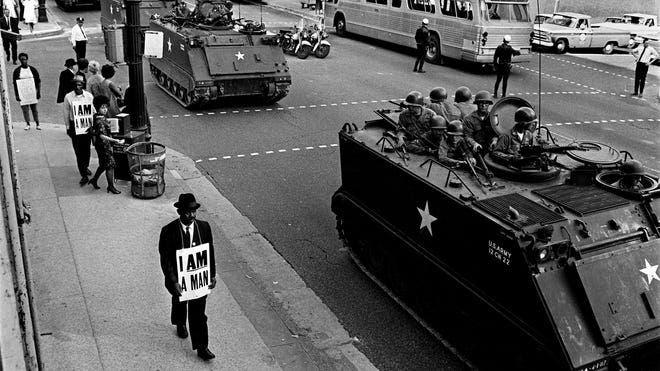 جانب من الآليات العسكرية أثناء احتجاجات ممفيس