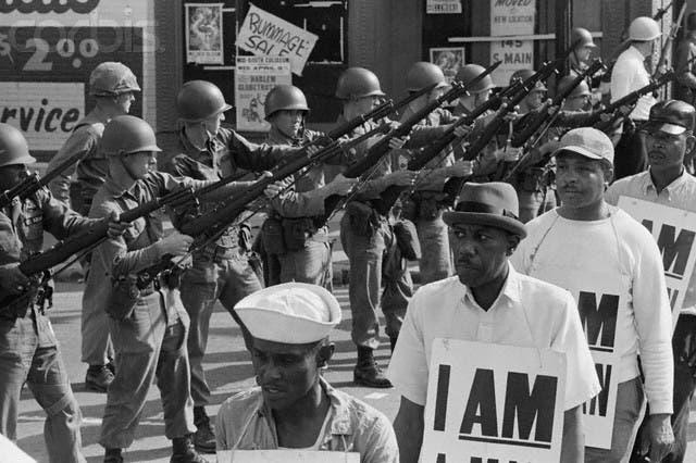 جانب من العمال المضربين بممفيس عام 1968