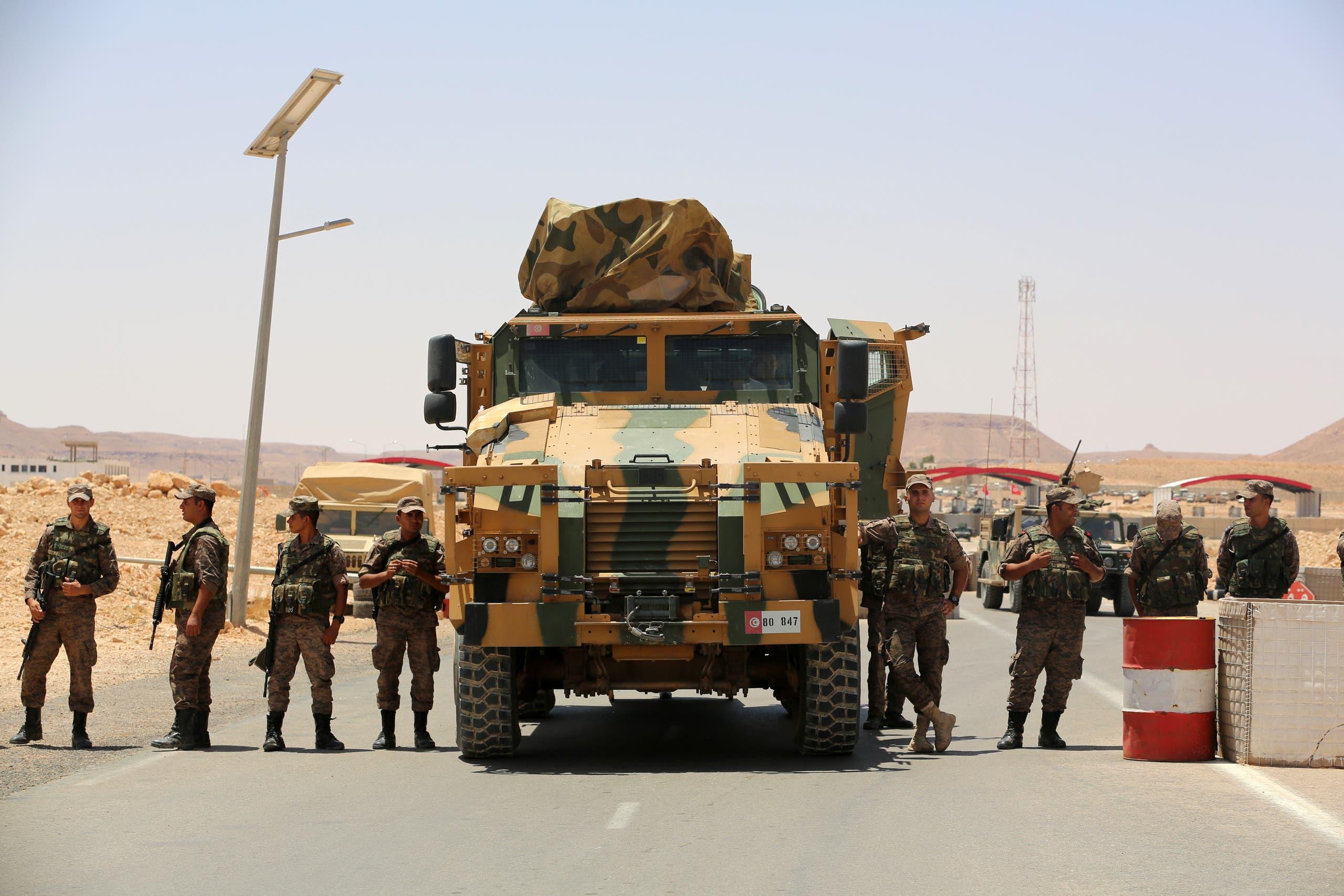 الجيش التونسي قرب الحدود مع ليبيا