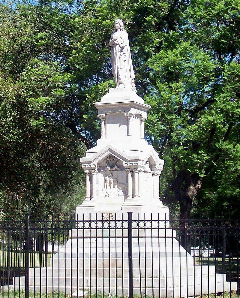 تمثال شيد بالأرجنتين تخليدا لذكرى ضحايا الحمى الصفراء