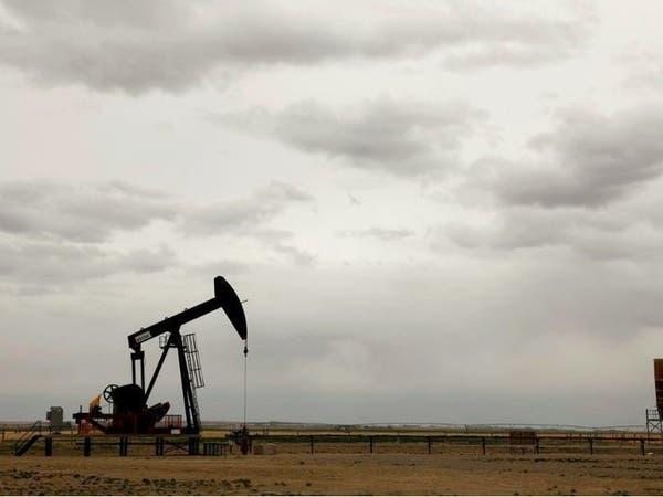 تباين أسعار النفط وسط مخاوف من تعافي الطلب