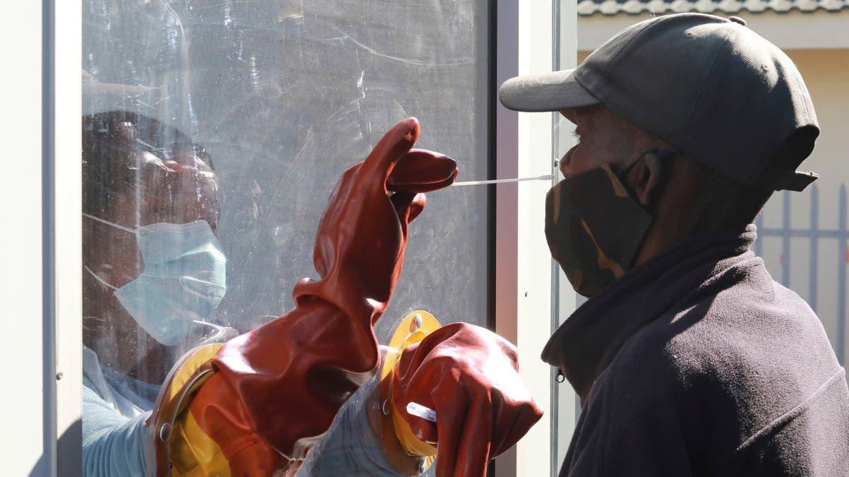 Coronavirus: South Africa passes half a million cases thumbnail