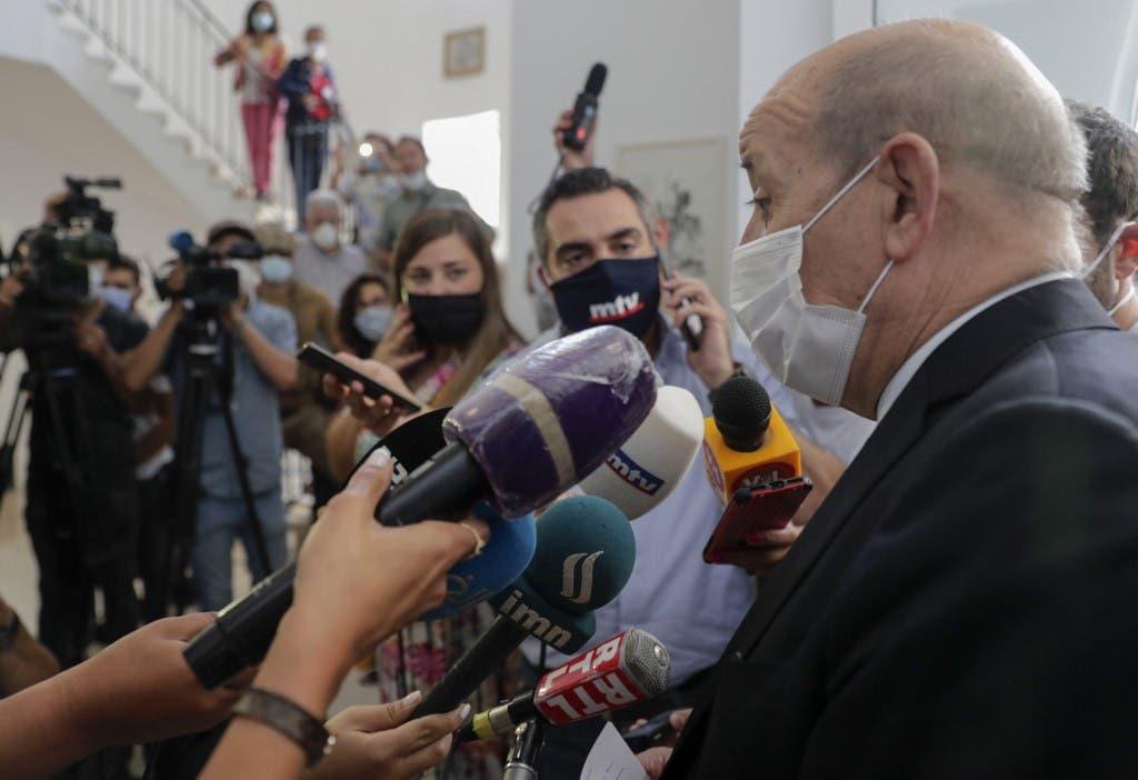 وزير الخارجية الفرنسي جان إيف لودريان خلال زيارته بيروت