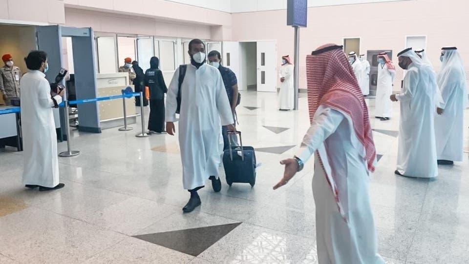 بالصور.. وصول الدفعة الأولى من الحجاج إلى مكة