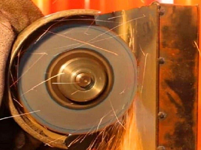 شاهد المادة التي اخترعها علماء ويستحيل على أحدهم قطعها