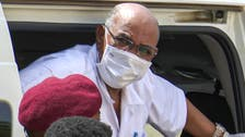 تدهور الحالة الصحية لعمر البشير ونقله إلى المستشفى