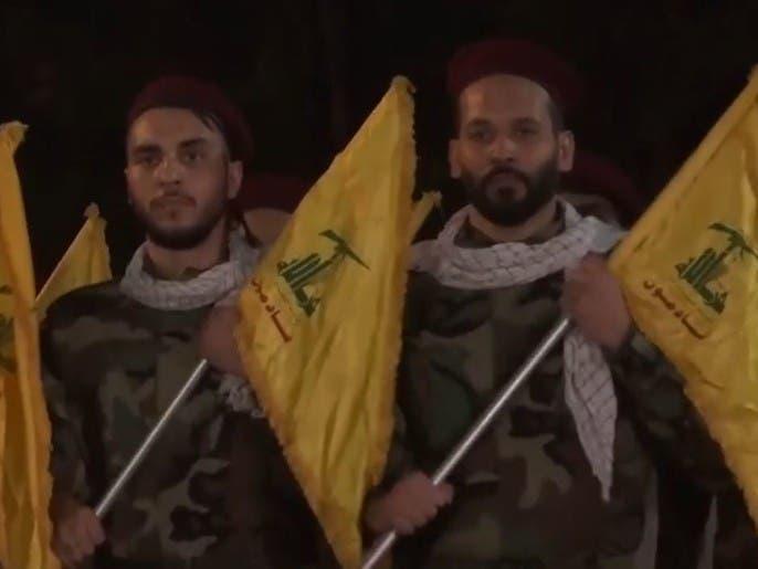 مناصرو حزب الله في طريقهم للشب عن الطوق
