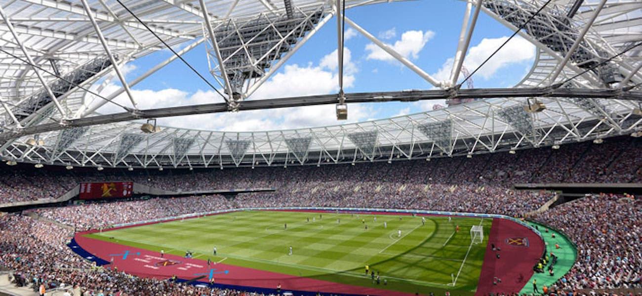 الملعب الأولمبي من الداخل