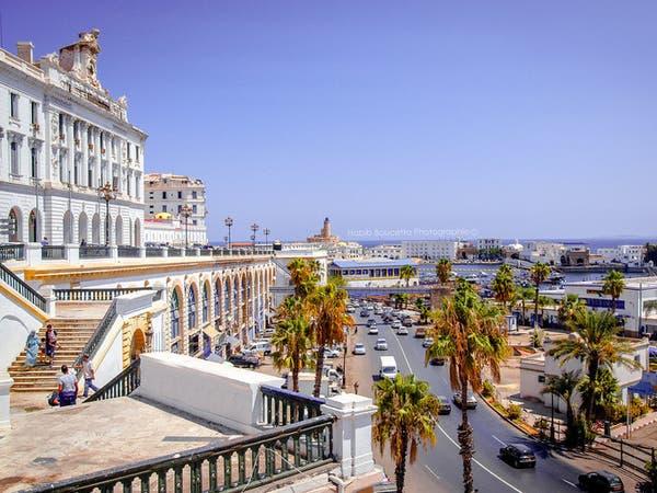 الجزائر: قرار بإغلاق العاصمة لمنع تفشي كورونا