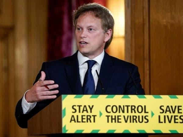 وزير بريطاني في إسبانيا يفاجأ بقرار عزل القادمين منها صحياً
