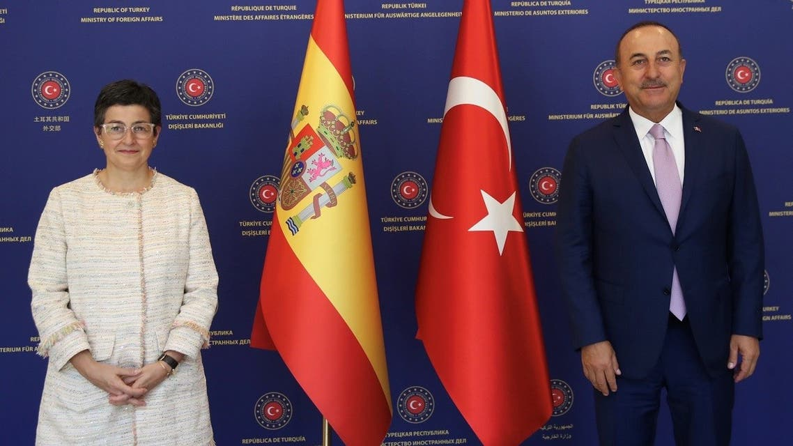 Turkish Foreign Minister Mevlut Cavusoglu and his Spanish counterpart Arancha Gonzalez Laya pose before their meeting in Ankara, Turkey, July 27, 2020. (Reuters)