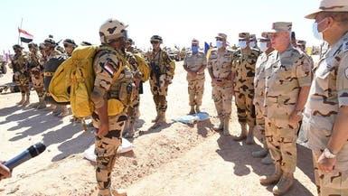 مصر.. رئيس الأركان يتفقد جاهزية قواته قرب حدود ليبيا