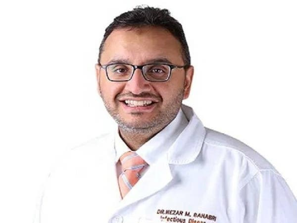إصابة استشاري في السعودية بكورونا بعد علاج مئات المرضى