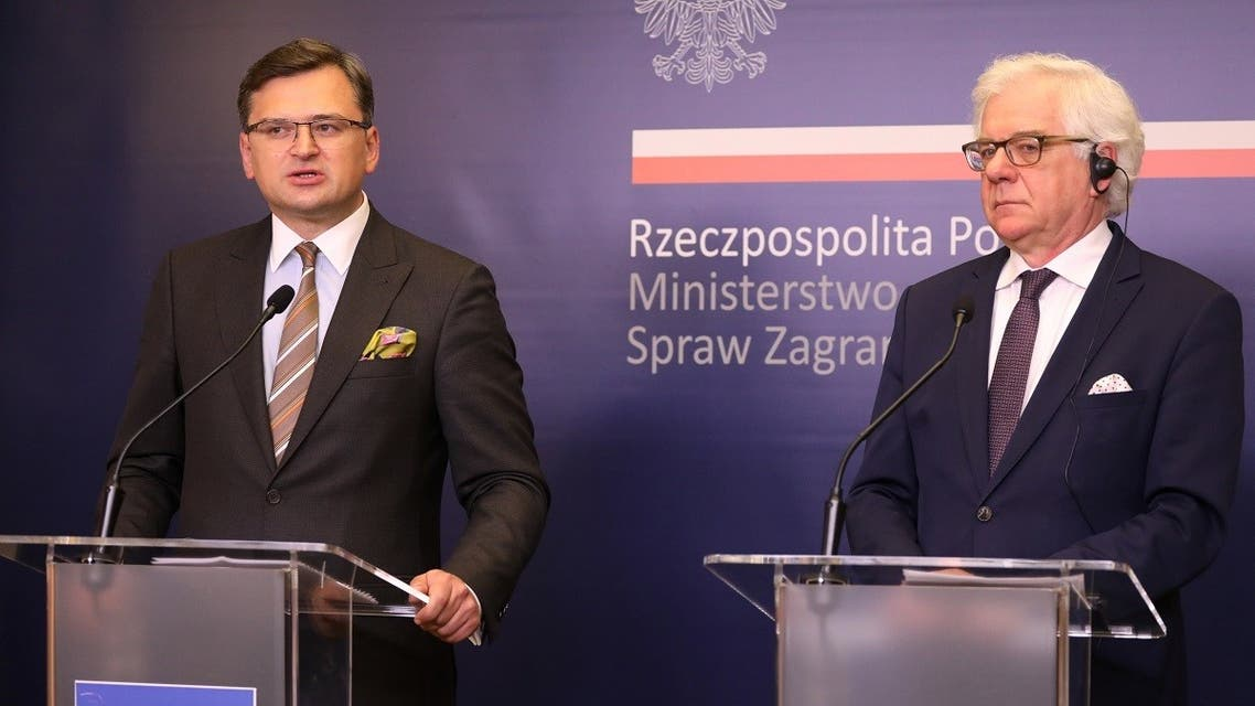 Polish Foreign Minister Jacek Czaputowicz and Ukrainian Foreign Minister Dmytro Kuleba attend a news conference following their talks in Warsaw, Poland July 27, 2020. (Reuters)