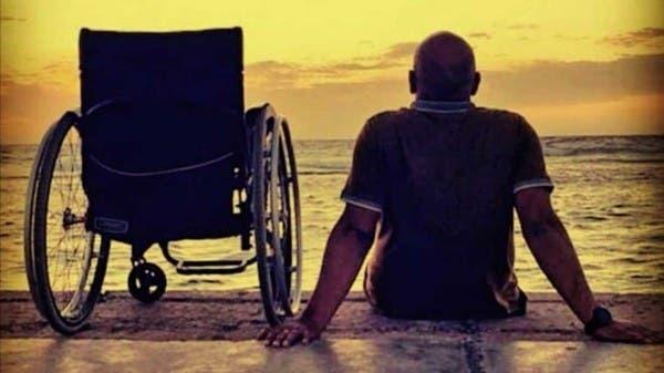 """سعودي رمى كرسي الإعاقة ليغوص بالبحار: """"الألم صنع طاقتي"""""""
