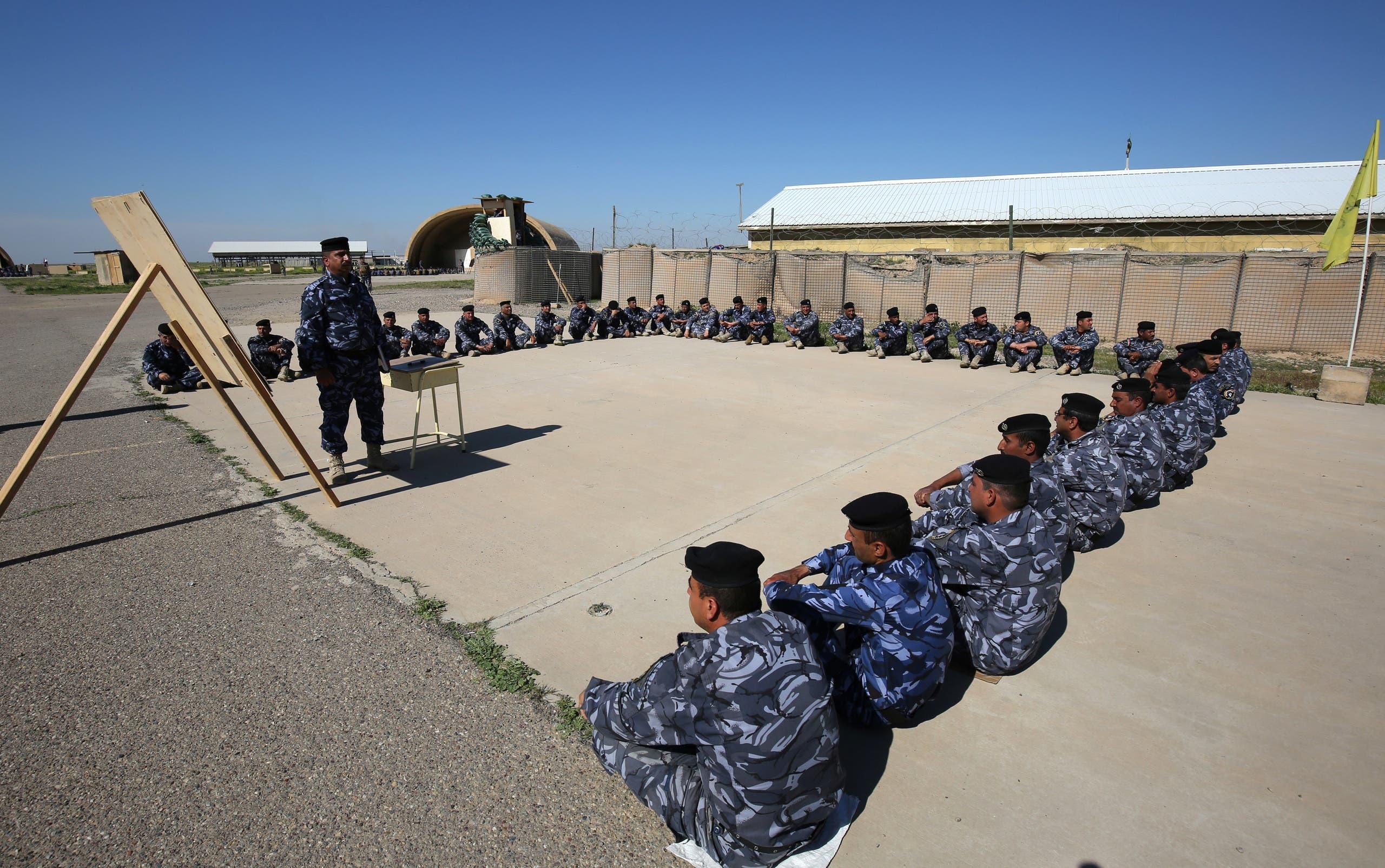 قوات عراقية في قاعدة سبايكر