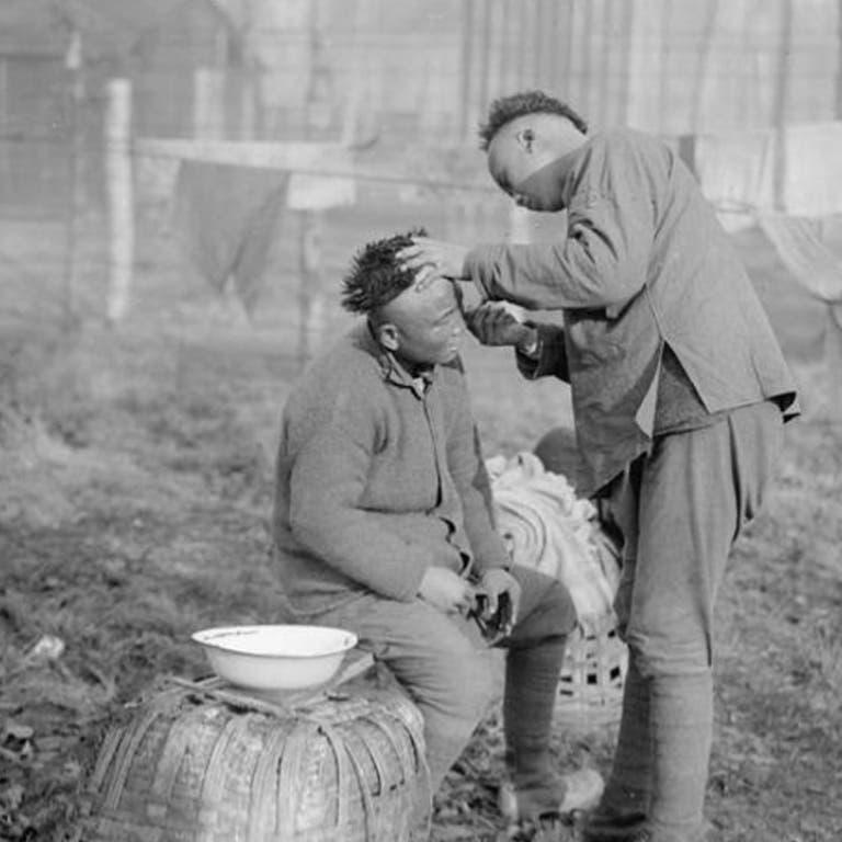 صورة لعدد من العمال الصينيين بالحرب العالمية الأولى