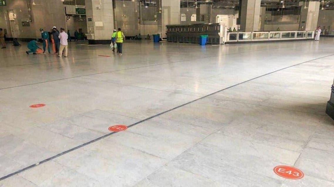 Masjid Nabwi: walking track, Distancing