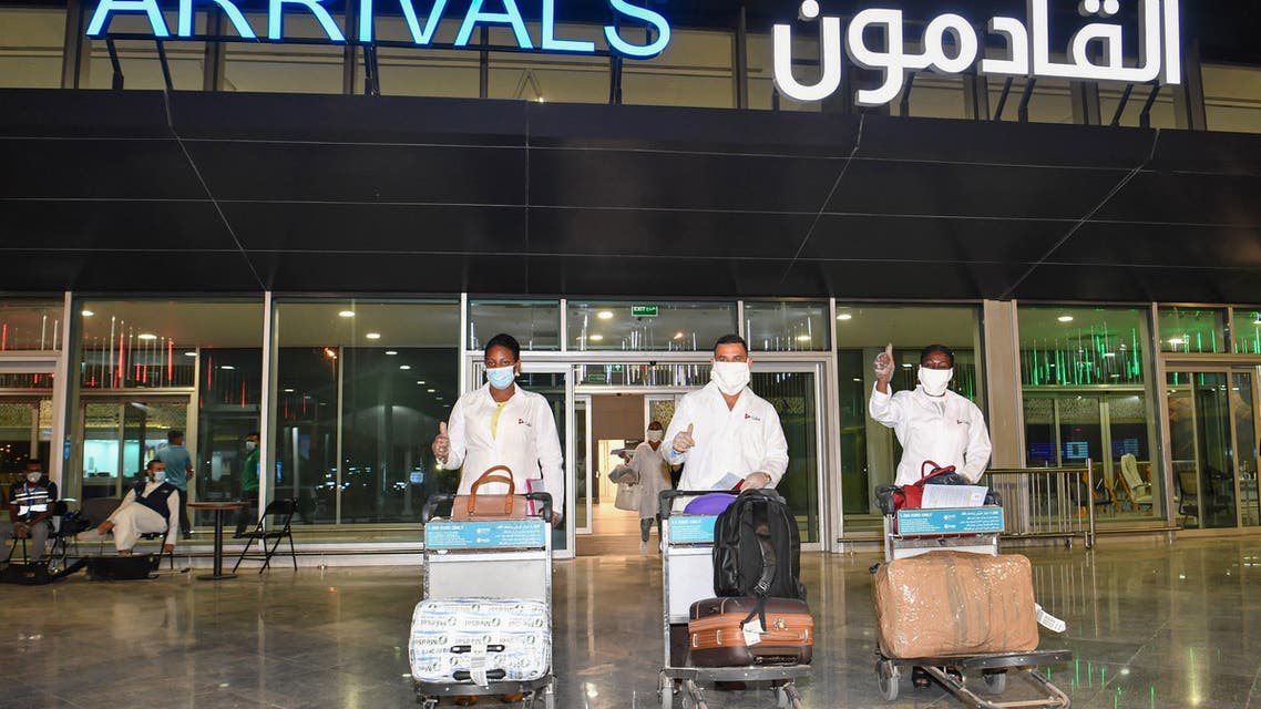 مطار الكويت كورونا