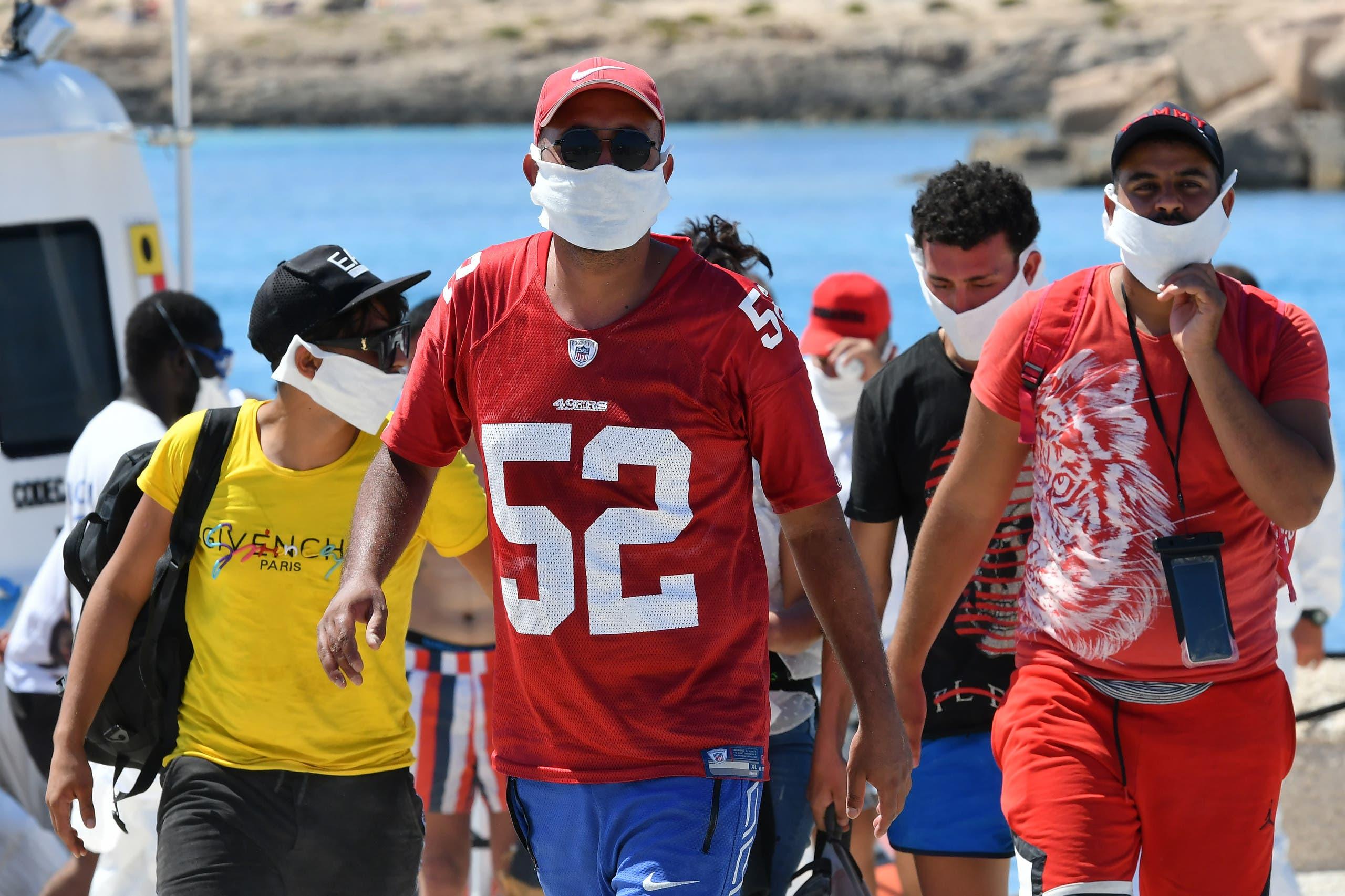 مهاجرون انطلقوا من تونس يصلون إلى لامبيدوسا  الخميس