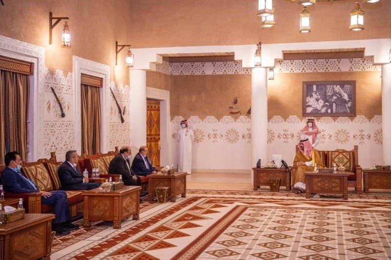 من لقاء الوفد اليمني بنائب وزير الدفاع السعودي