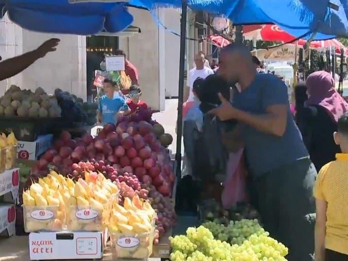 الأسواق الفلسطينية تشهد نشاطاً ملحوظاً عشية عيد الأضحى