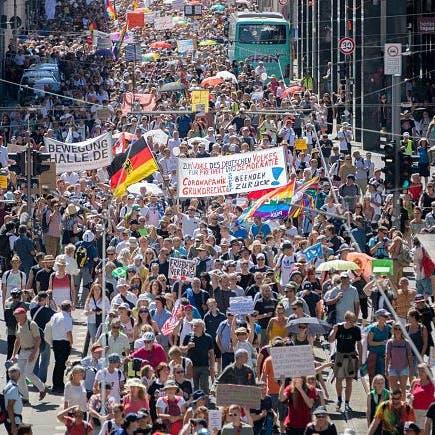 احتجاج في ألمانيا ضد إعادة فرض الإغلاق بسبب كورونا