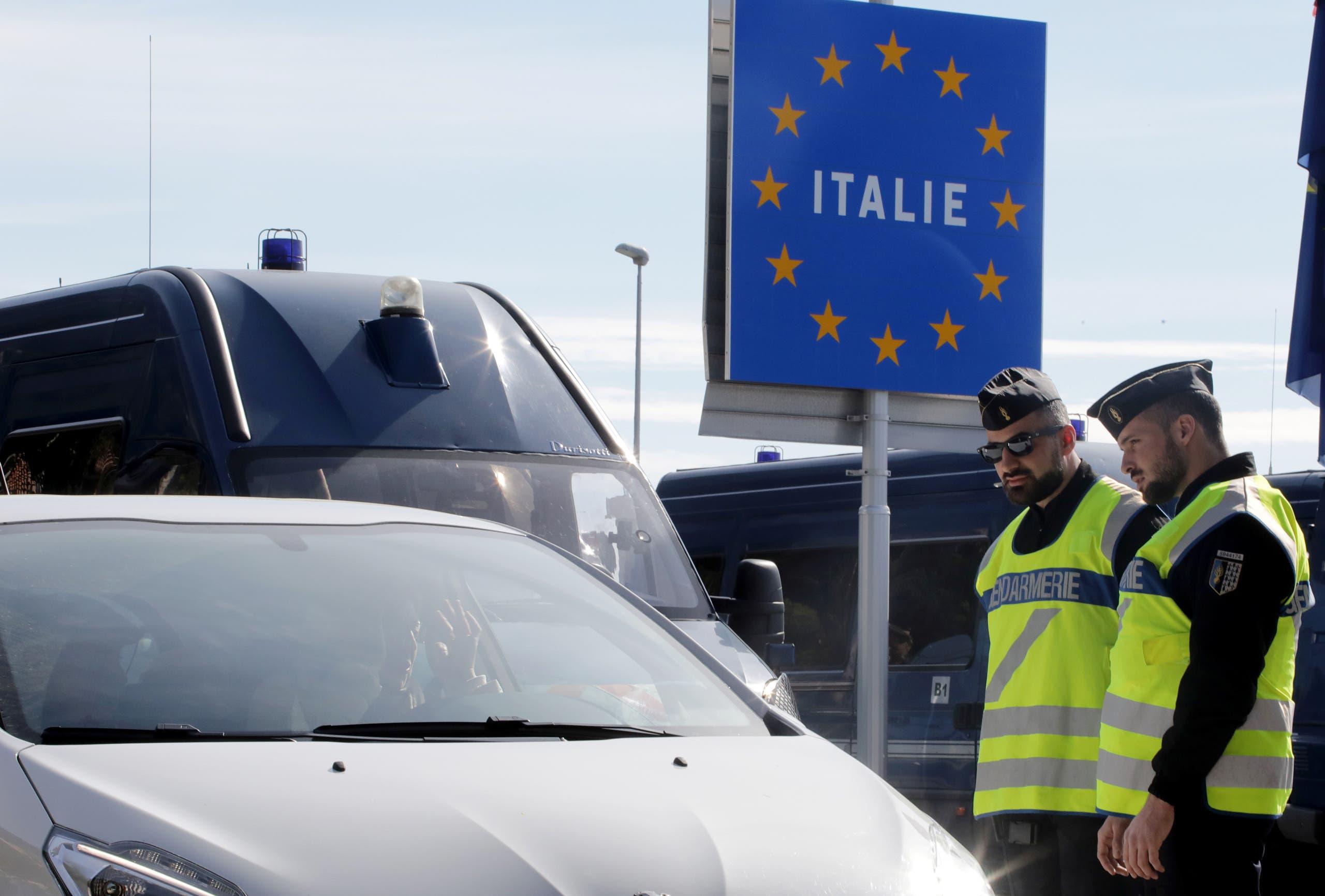 الشرطة الفرنسية على الحدود الإيطالية