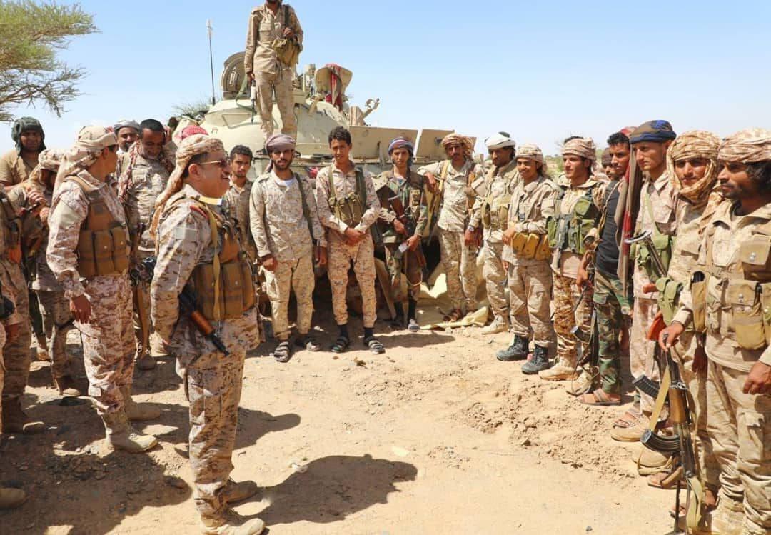 وزير الدفاع اليمني الفريق محمد المقدشي في نهم (أرشيفية)