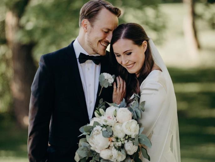 رئيسة وزراء فنلندا تتزوج من والد طفلتها