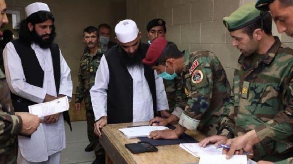 دولت افغانستان 317 زندانی طالبان را آزاد کرد