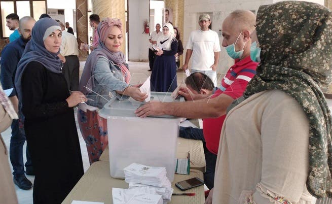 اقتراع واختلاط بدون إجراءات وقاية