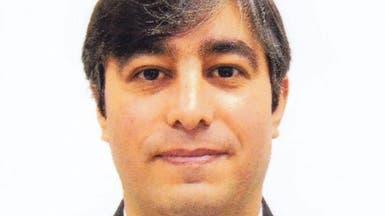 كاتب إيراني: يجب تصنيف جيش إيران كمنظمة إرهابية مثل الحرس الثوري