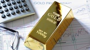 الذهب مستقر قرب ذروة قياسية مع انتعاش الدولار