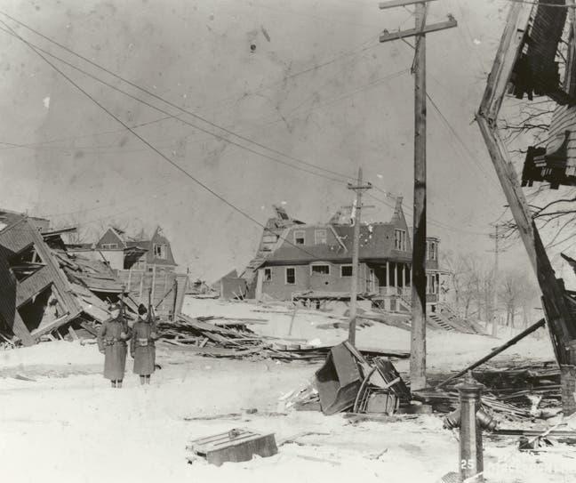 صورة تبرز حجم الدمار بهاليفاكس عقب الانفجار