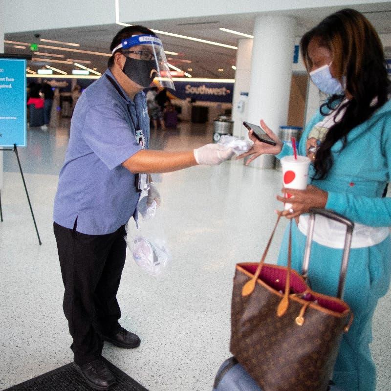 Coronavirus: US lifts advice to avoid all international travel due to COVID-19