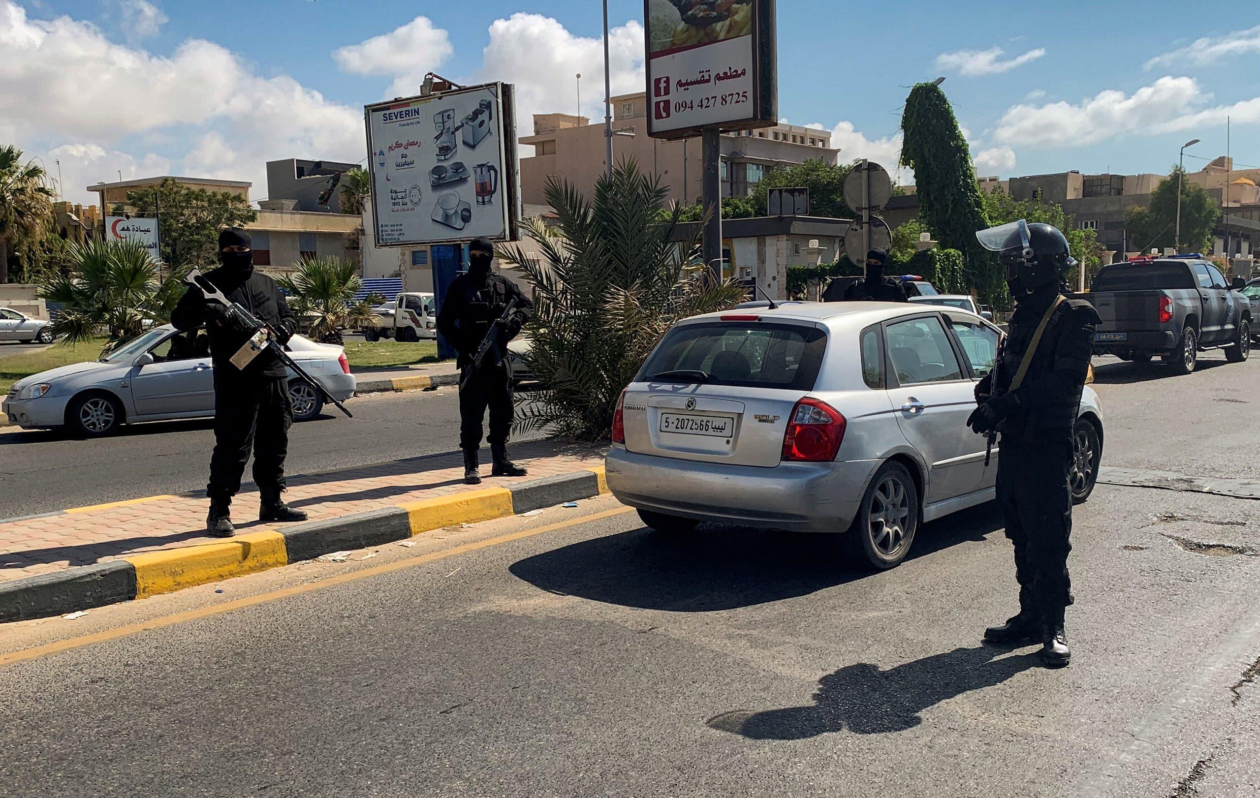 من شوارع طرابلس الليبية(أرشيفية- رويترز)