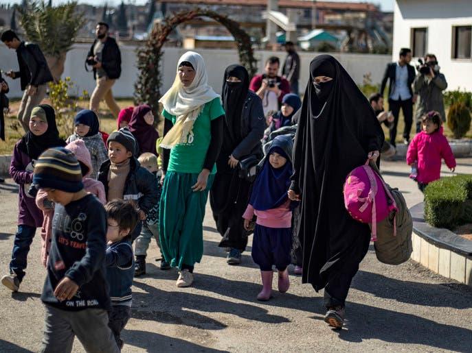"""وتيرة فرار داعشيات """"الهول"""" ترتفع مع توغل تركيا شرق الفرات"""
