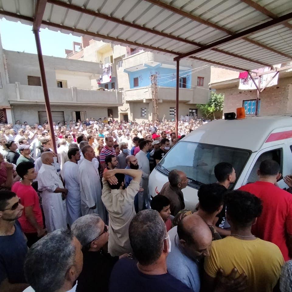 مصر تشيّع جثامين 3 ضحايا قضوا بانفجار بيروت