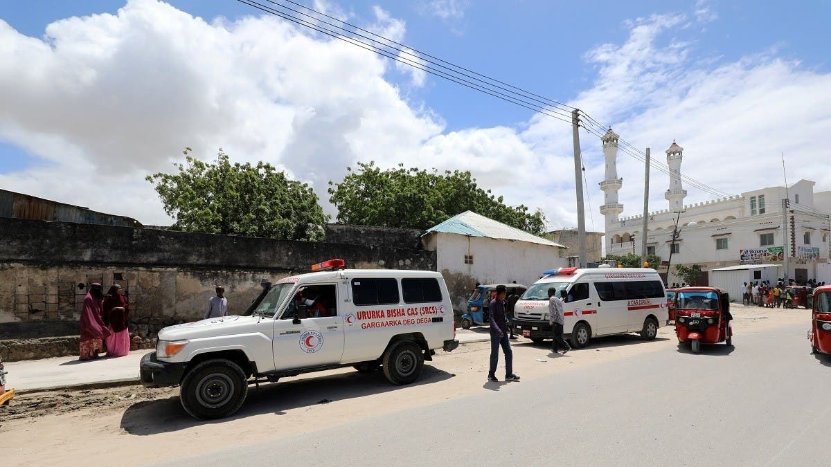 Blast caimed by al Shabaab rocks military base in Somali capital, killing eight thumbnail