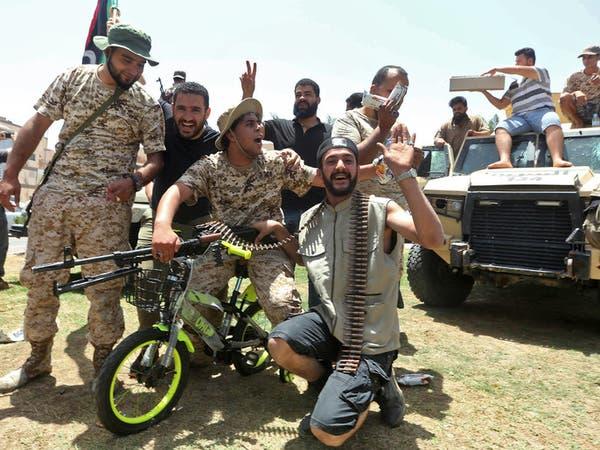 """مقابل 300 دولار.. """"سماسرة"""" يجندون مرتزقة إلى ليبيا"""