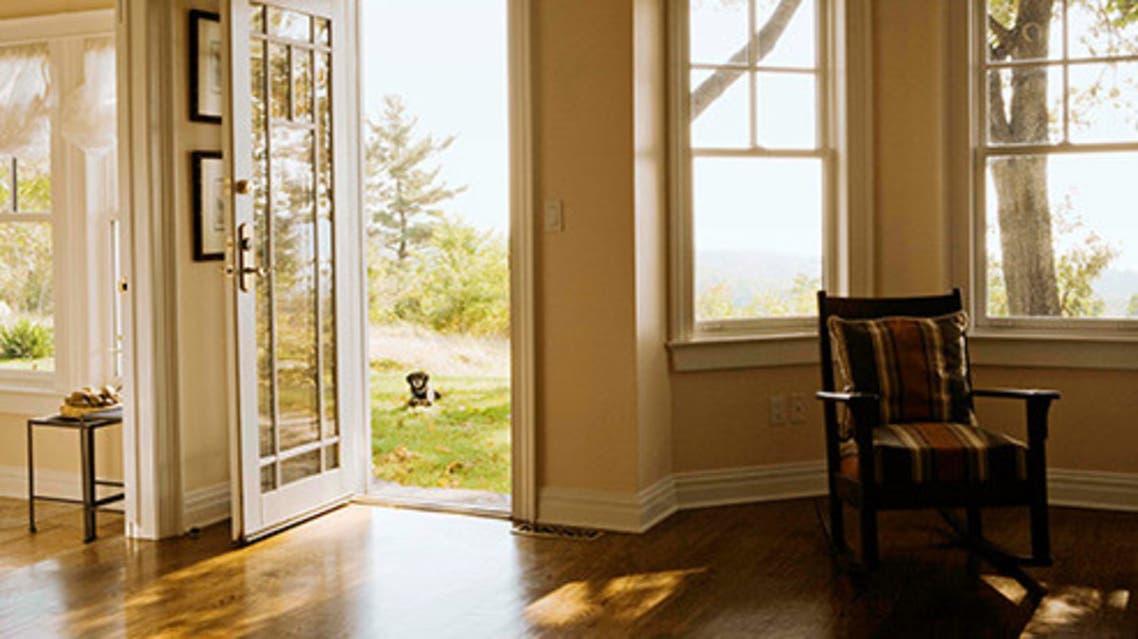 493ss_thinkstock_rf_house_door_open