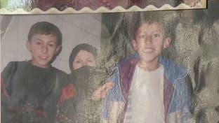 أسر سورية تتعرف على صور أبنائها ضحايا تعذيب النظام